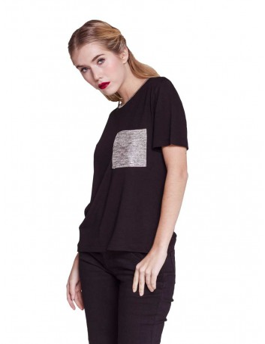 T-shirt donna nera con Taschino di viscosa
